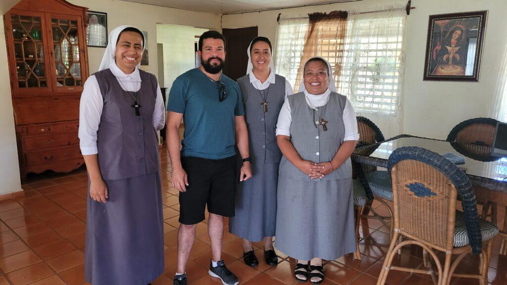 Nuns Campo Nueva Esperanza